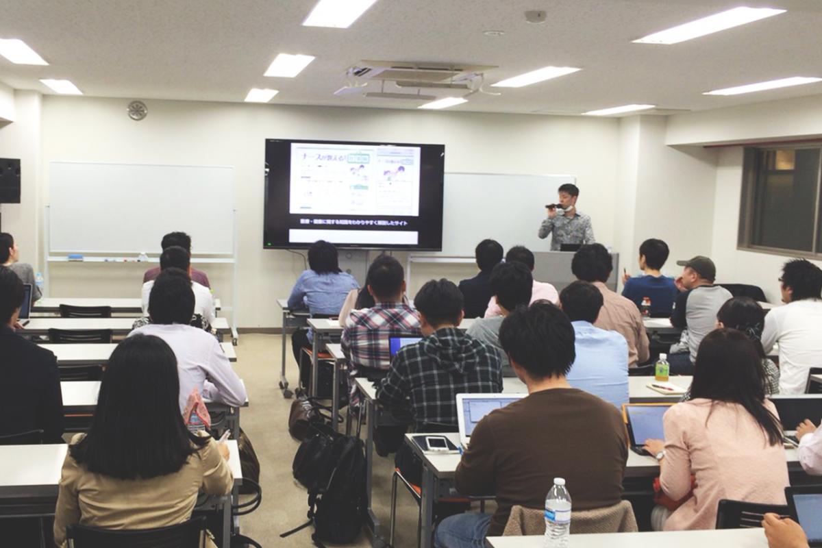 SEO対策テンプレート「賢威」でおなじみ、WEBライダーの松尾茂起さんのセミナーと懇親会の様子
